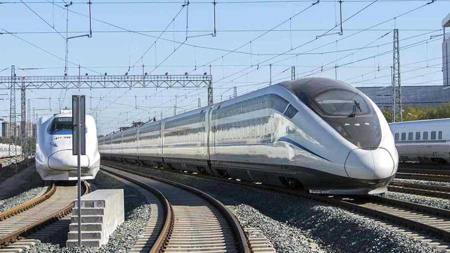 Чили: высокоскоростная железная дорога Сантьяго-Вальпараисо, соединяющая два крупнейших города страны